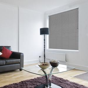 Persiana Horizontal PVC Off Cinza 1,60x1,30m