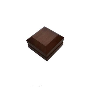 Pirâmide de Madeira 7,5x4,5x7,5cm Tarimatã