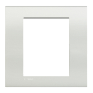 Placa sem suporte 4x4 bianco livinglight bticino leroy for Battiscopa bianco leroy merlin