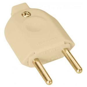 Plugue macho 10A até 250V plástico anti-chama liga de cobre bege Tramontina