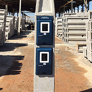 Poste Trifásico 2 Caixas Laterais Cabo 25mm Disjuntor 80AP Eletro Fort