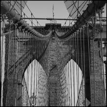 Quadro Float Brooklyn Bridg Preto e Branco III 40x40m