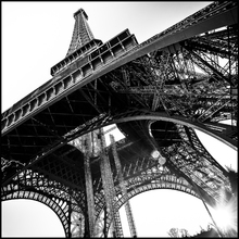 Quadro Float Vidro Eiffel Preto e Branco 30x40m