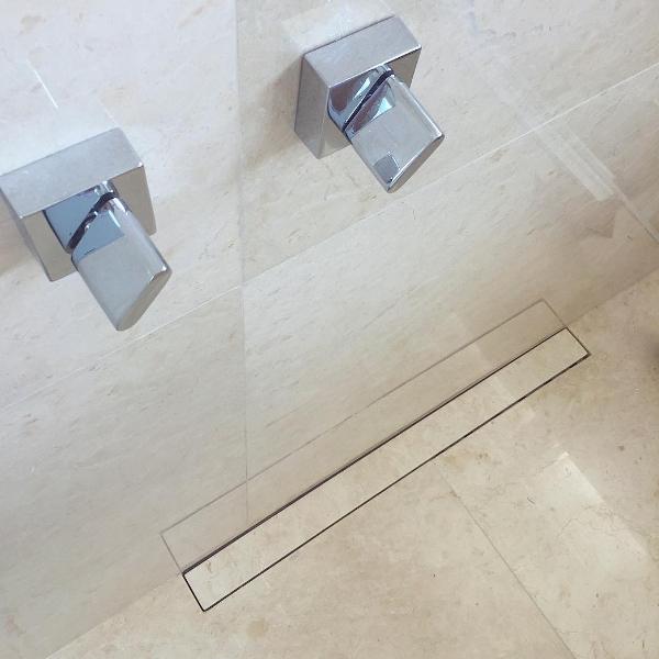 banheiro oculto