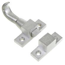 Trinco Para Basculante Zamac Cromado Acetinado 63x27x41mm União Mundial